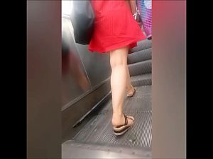Turkish Upskirt Escalator 1