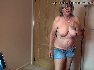 German Mature Slut Webcam Fun!