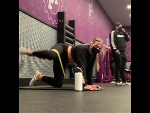 PAWG Stretching At The Gym (4+ Minutes)