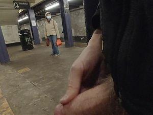 Subway Cock Flash