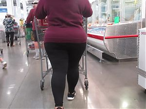 Fat round juicy PAWG ass and thick legs in tights